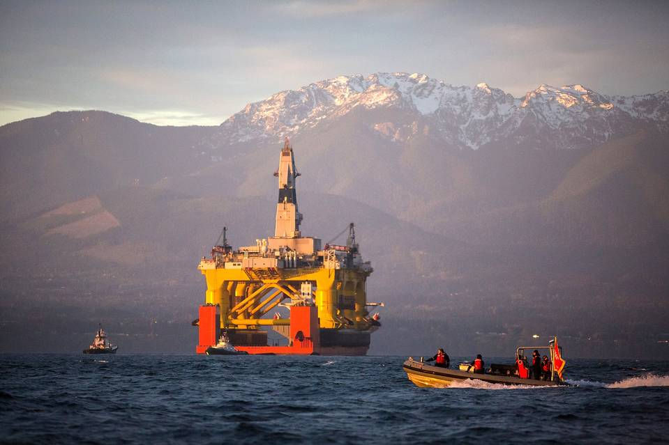An oil rig arriving in Port Angeles, Wash., in April before being moved to Seattle, where Shell faces opposition to storing its drilling ships.