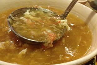 A bowl of shark fin soup with crab meat at Ho Ho Chinese BBQ in Austin.