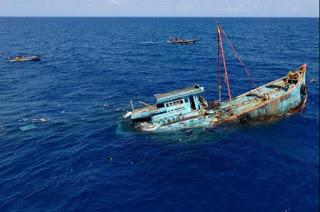 illegal fishing boat sinking, illegal fishing, fishing boat