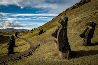 Easter Island, Easter Island statues