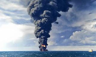 oil spill, oil tanker. light crude oil